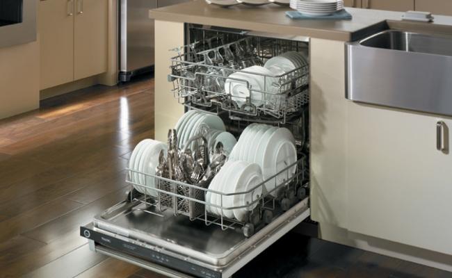 La lavastoviglie non scarica l'acqua: scopriamo perchè